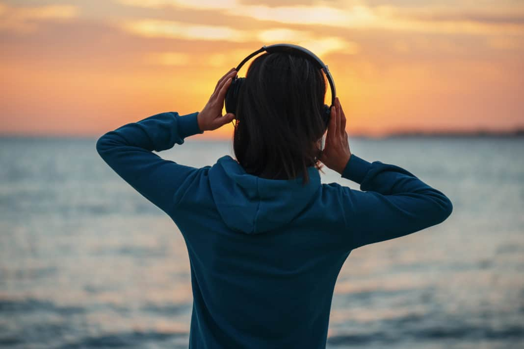 explore-our-top-10-picks-for-ear-opening-ocean-podcasts