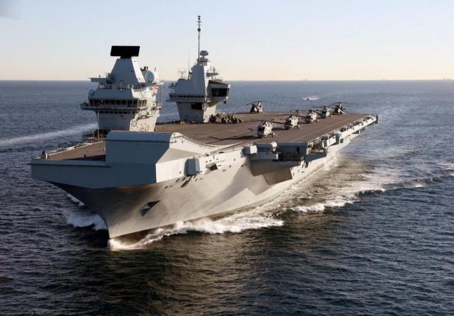 Великобритания-задействовала-вертолеты-<b></noscript>охотники</b>-для-борьбы-с-российской-субмариной-в-…